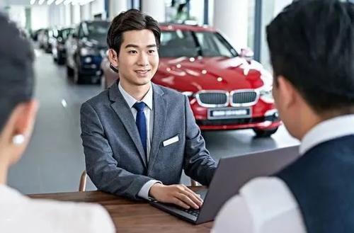 為什麼說回4S店續保更便捷放心?老司機:這8大優勢性價比更高!
