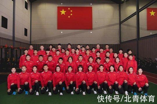 北京冬奥中国军团王牌之师发起最后冲刺,首次由韩国籍主帅率队