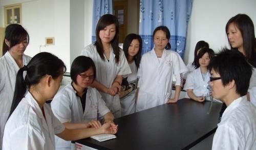 五所|这五所高校虽不是985、211,但其医学专业却远超部分985高校