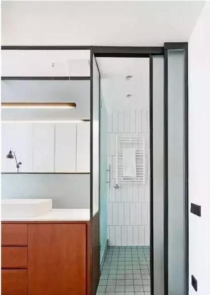 巧用|80㎡户型,巧用地柜,居然造出完美的2室2卫