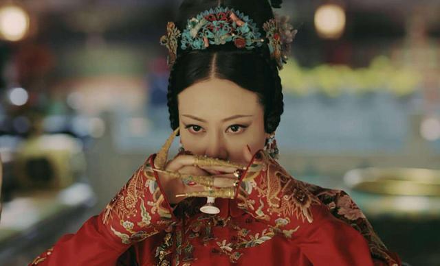 迷人|别被《延禧攻略》给骗了,高贵妃谭卓现实是国际范,造型都迷人