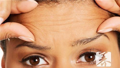 額頭打去皺針的後遺症