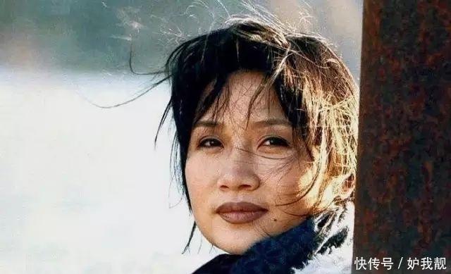 李娜:《青藏高原》原唱,从歌坛一姐到剃度出家,如今怎么样了?