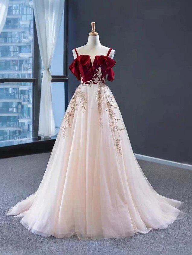 塔罗占卜:第一眼你觉得哪款婚纱最美?测你在另一半心目中的位置!