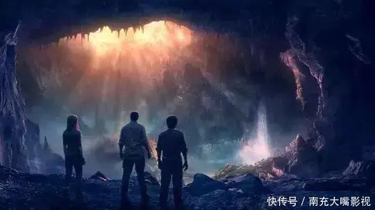 神秘溶洞探险,地心极光神秘惊现,4A景区天下第一洞彻底火了!