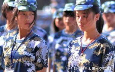军训|军训时,女生认为很丑的3个行为,学长却感觉超喜欢分分钟脱单