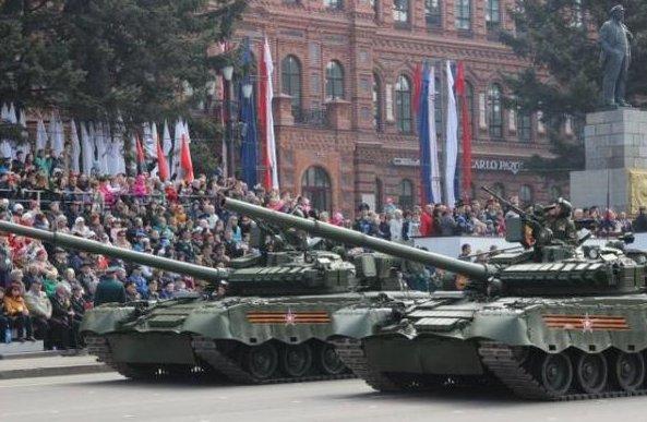 俄大批坦克登島,日網友急瞭,叫囂要搞核武器對抗