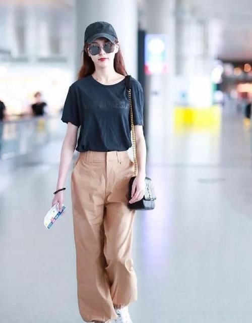 """打底褲已經爛大街瞭,現今更流行這種""""粽子褲"""",怎麼穿都好看!"""