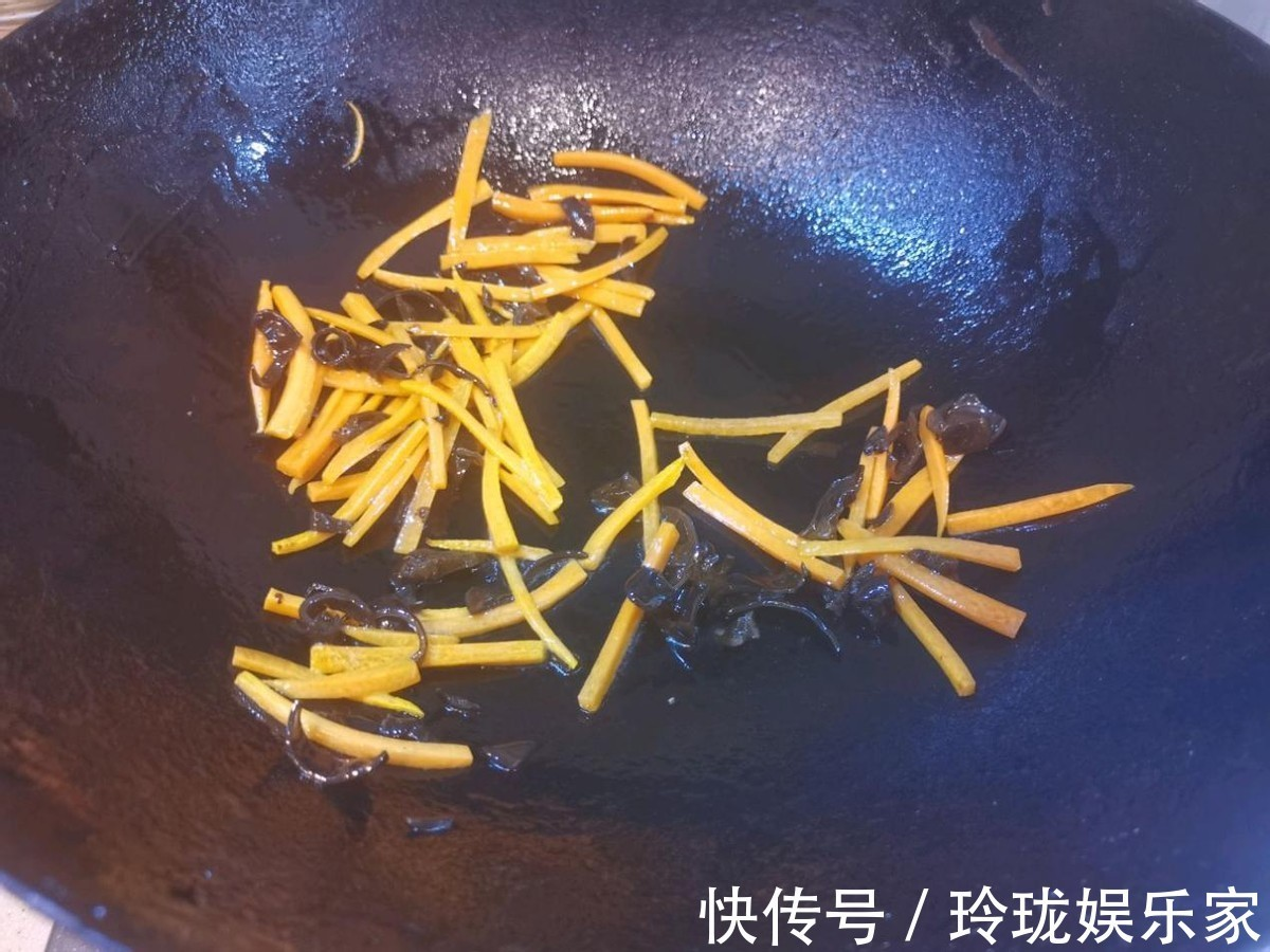 鲜辣汤 明星同款鲜辣汤,不仅美味还低脂,喝过的人都赞不绝口
