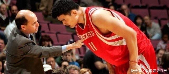 """姚明NBA時被稱""""支那人"""",面對科爾的欺負,姚明的回復讓他閉嘴"""