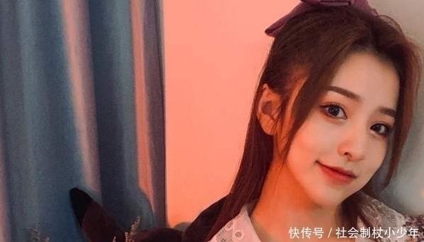 """劉思瑤豁出去瞭,發18歲照片,證明自己不是""""方塊臉"""""""