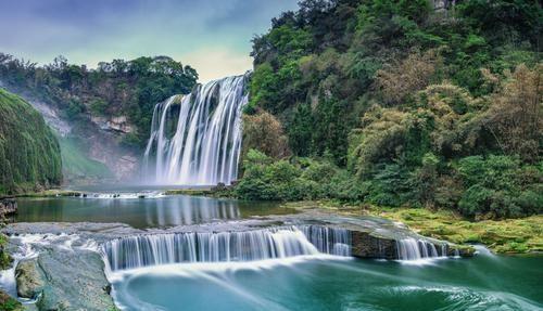 世界上最高的瀑布,落差高度979米,是黄果树瀑布的12倍,震撼