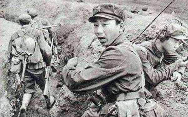 中国军官娶日军女俘虏,40年后去日本探亲,妻子送给他1000亿!