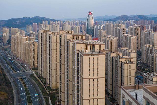 中國14億人擁有34億人房產,曹德旺預測準瞭2個數據透露出信號