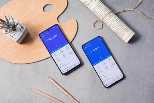 手机|暑期热门高性能手机对比,这几个细节决定这款更值得入手