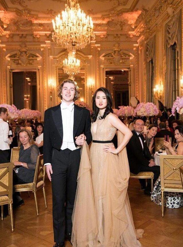 姚安娜:任正非小女兒,曾被四太梁安琪看中,比利時王子與她共舞