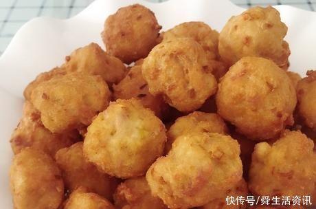 炸丸子時,別只會加澱粉,用上1個小妙招,丸子香酥脆,放涼不硬