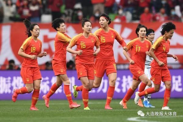 """绝地逆转韩国女足进军东京。""""铿锵玫瑰""""再显巾帼英姿。"""
