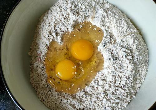 春天,我迷上這早餐,隔三差五就要做,滿滿都是料,省事又營養