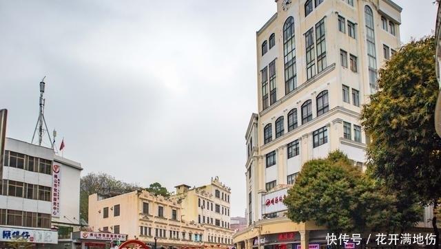 順德大良唯一的一條步行街,靠近清暉園,曾是順德最繁華的地方