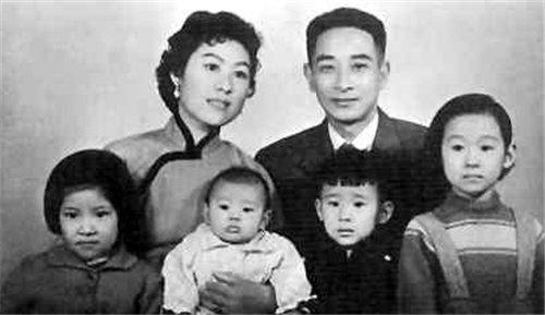 再见|分别41年,她独自养大2孩子,再见时丈夫已娶妻生子,她高傲离开