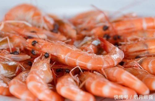 煮蝦時,只加生薑與食鹽可不行,記得多加「這2味」,蝦肉才不腥