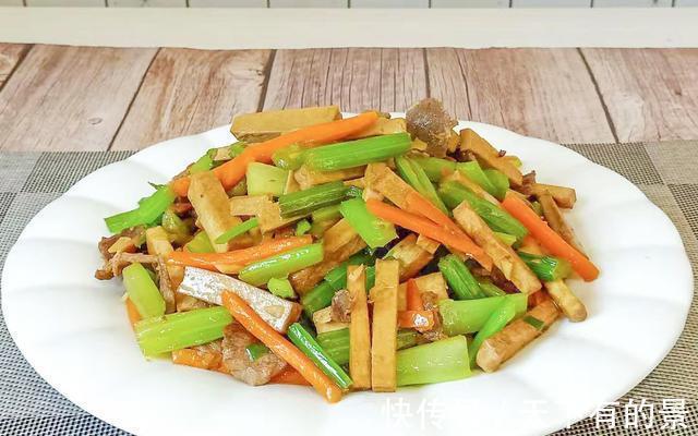 芹菜|芹菜炒香干,先炒芹菜还是先炒豆干?很多朋友做错了,难怪不好吃