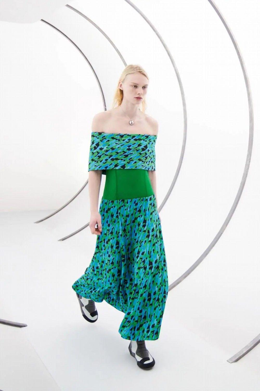 穿搭 要想生活过得去 就得穿搭加点绿