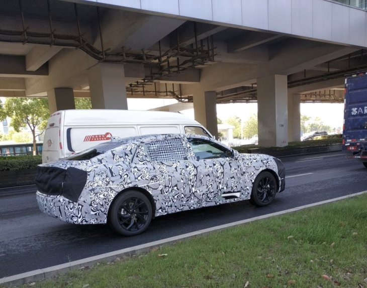 福特全新蒙迪歐國內路試諜照 采用三廂造型/設計酷似EVOS