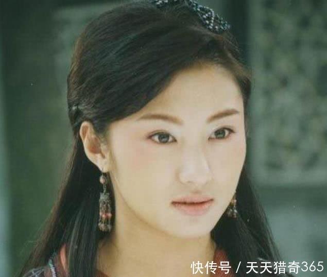 薛之谦|同样是离婚,聂远二婚,汪峰三婚,而他离婚3年后娶回前妻!