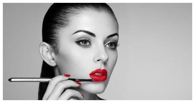 塗口紅不要再抿嘴瞭!學會這些塗法技巧,便宜口紅也能彰顯高級感