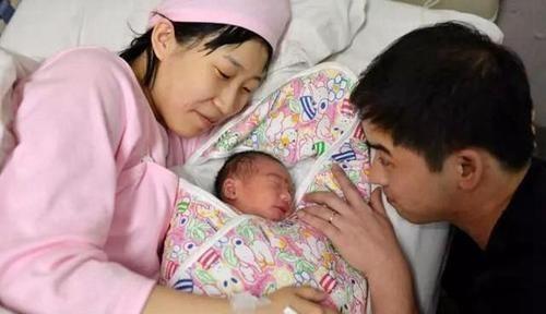 67歲老太太堅持生下三胎,如今過得怎樣?老人:爭取活到110歲